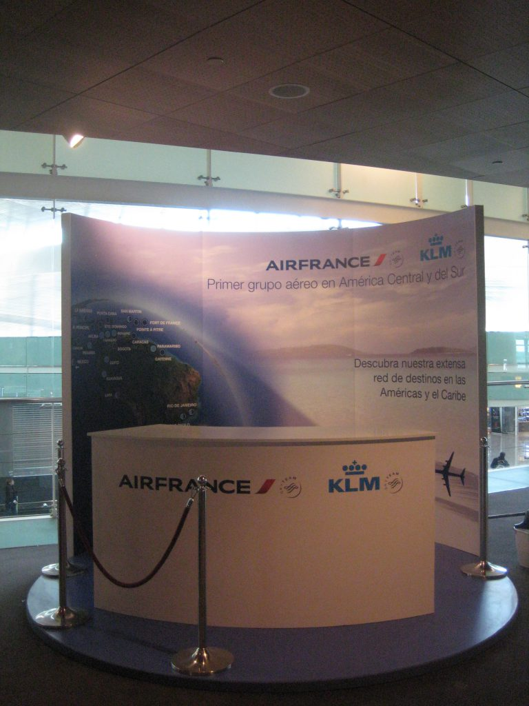 stand air france klm aeropuerto bcn