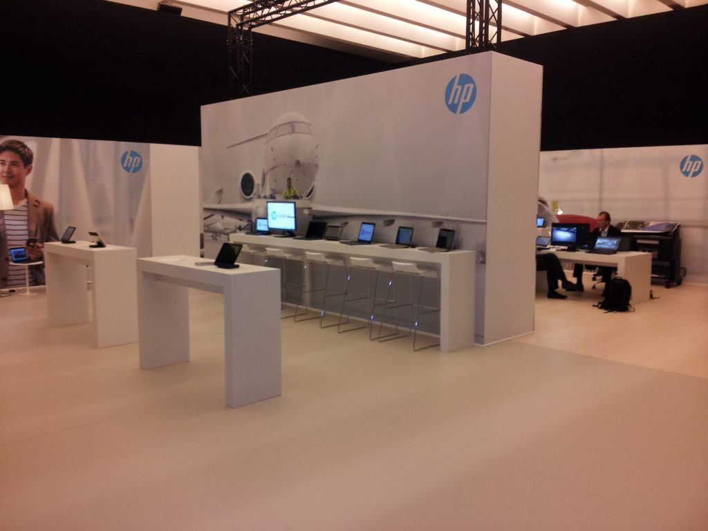 HP Mac Group stands